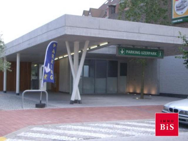 Gesloten garagebox, Yperstraat, 8300 Knokke-Heist