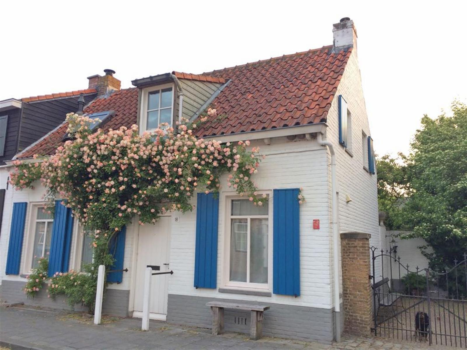 Huis, 4525 Retranchement